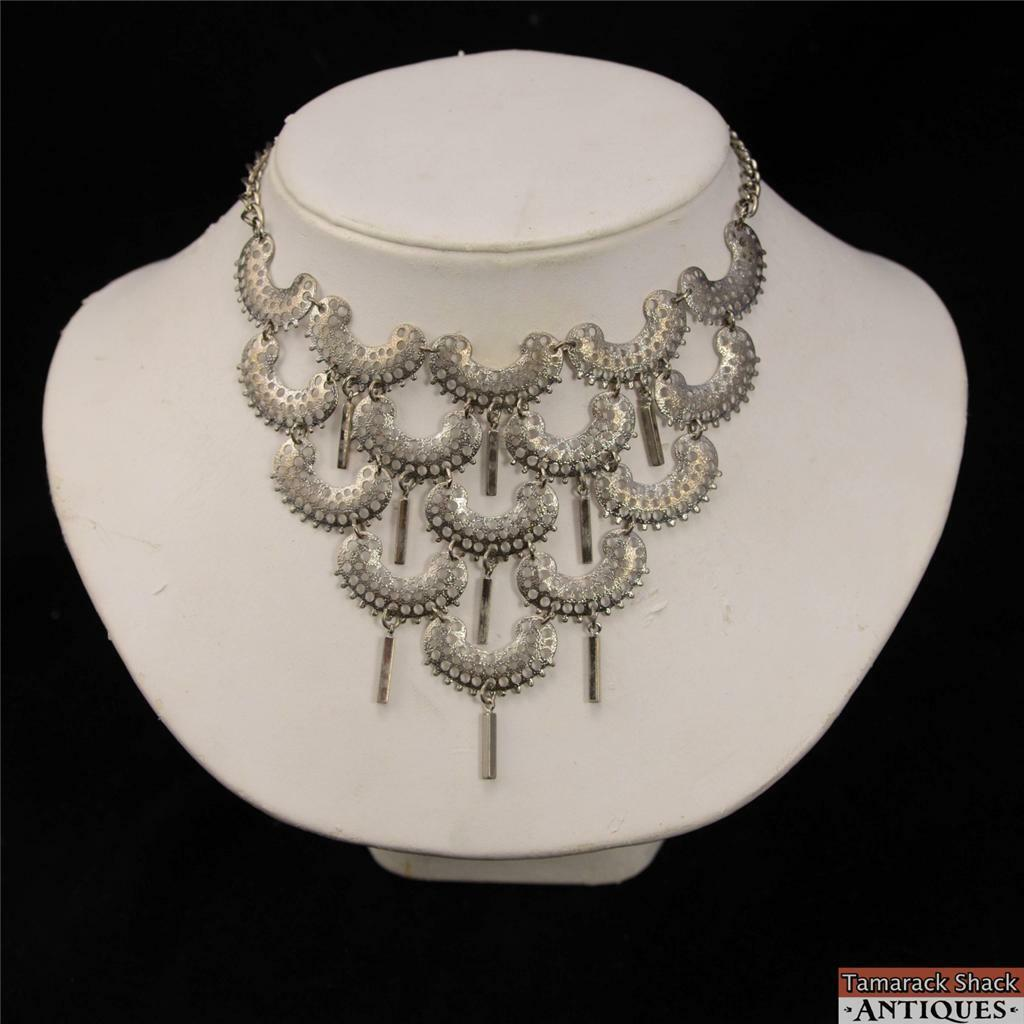 Vintage-Sarah-Coventry-Silver-Toned-Choker-Style-Dangle-Necklace-17-Hook-Clasp-291048216940.jpg
