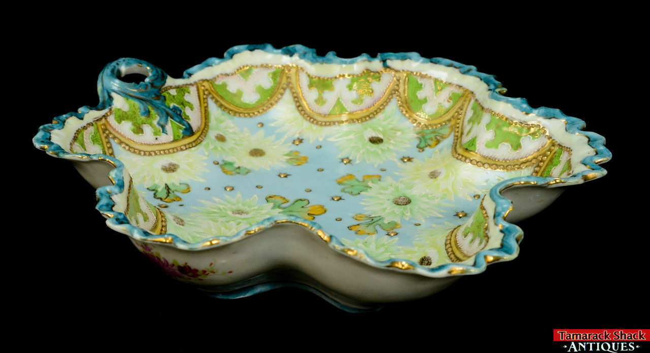19th-Century-Hand-Painted-Moriage-Scalloped-Floral-and-Lace-Bowl-With-Handle-L8Y-361675509835-2.jpg