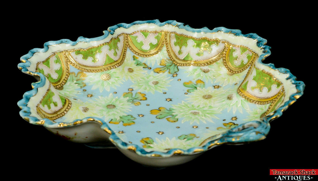 19th-Century-Hand-Painted-Moriage-Scalloped-Floral-and-Lace-Bowl-With-Handle-L8Y-361675509835-4.jpg