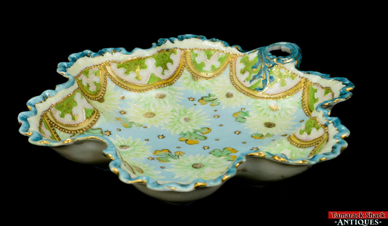 19th-Century-Hand-Painted-Moriage-Scalloped-Floral-and-Lace-Bowl-With-Handle-L8Y-361675509835-5.jpg